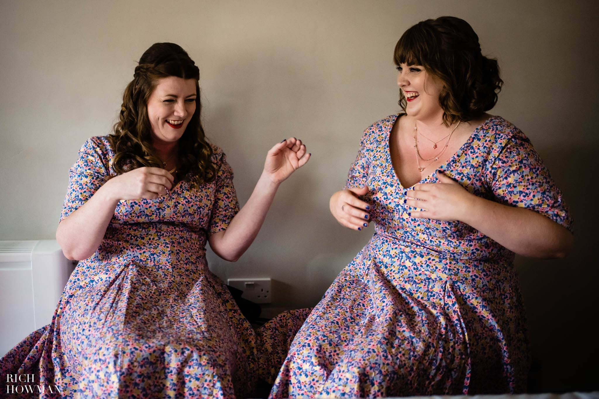 Outdoor Wedding in Bristol   Barn Wedding Photographers 238