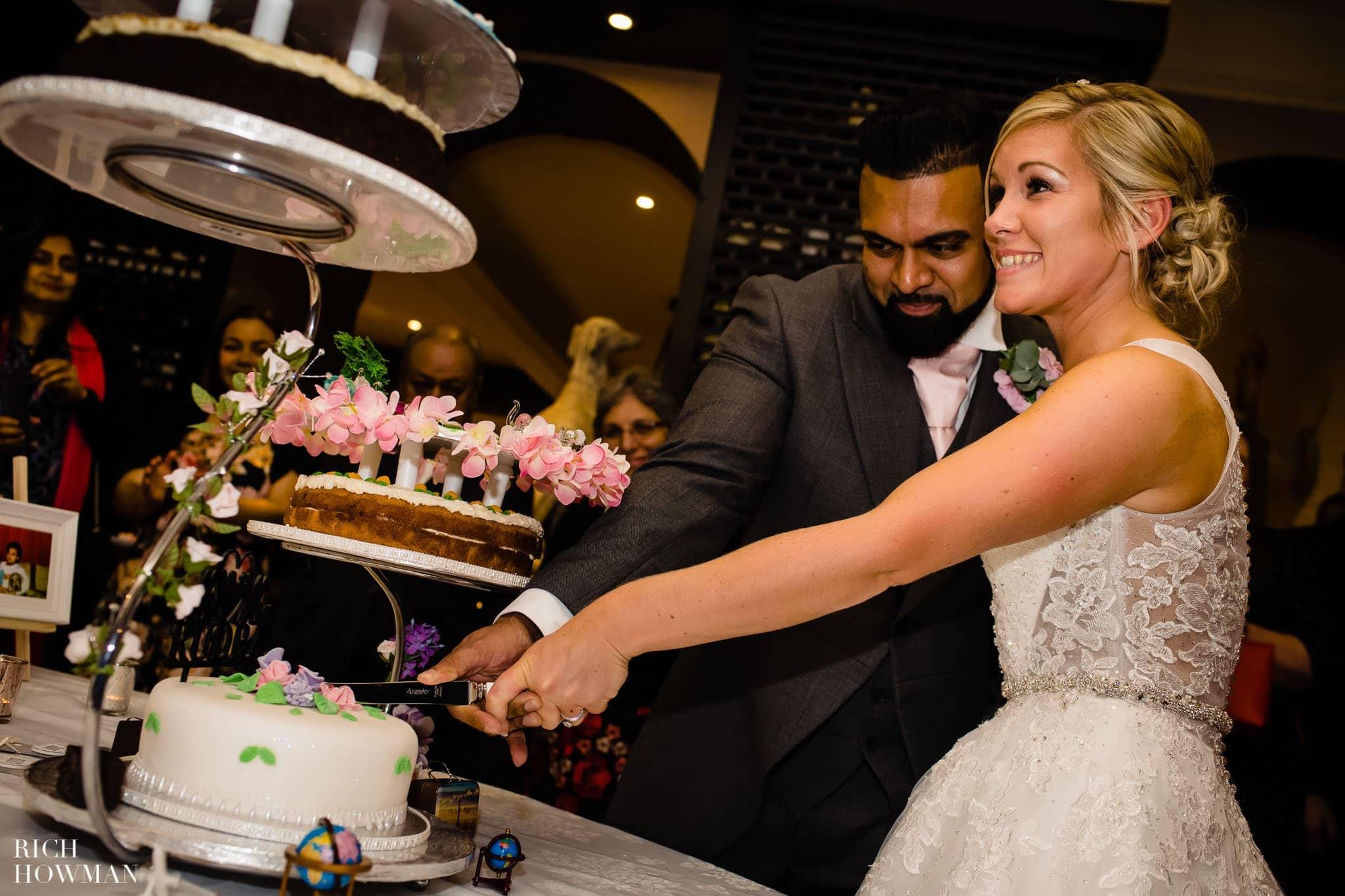 Wedding Photographers in Oxfordshire | Wedding Photographers Witney 420