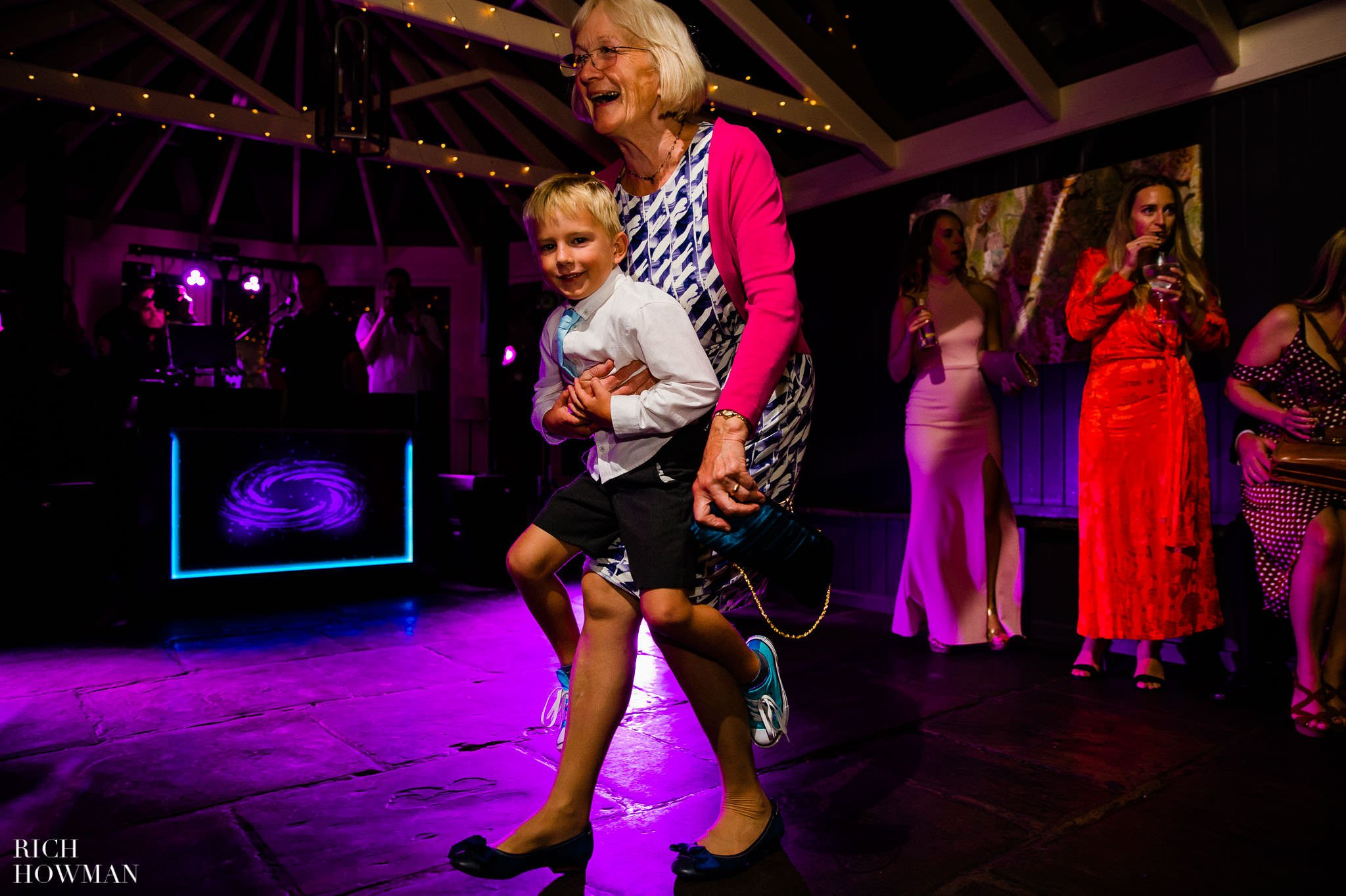 Wedding Photographers in Oxfordshire | Wedding Photographers Witney 421
