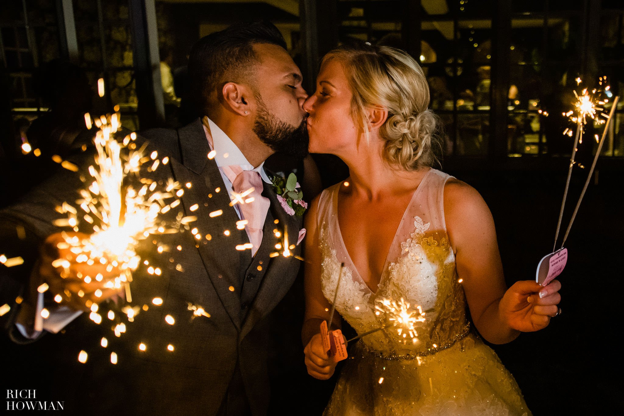 Wedding Photographers in Oxfordshire | Wedding Photographers Witney 448
