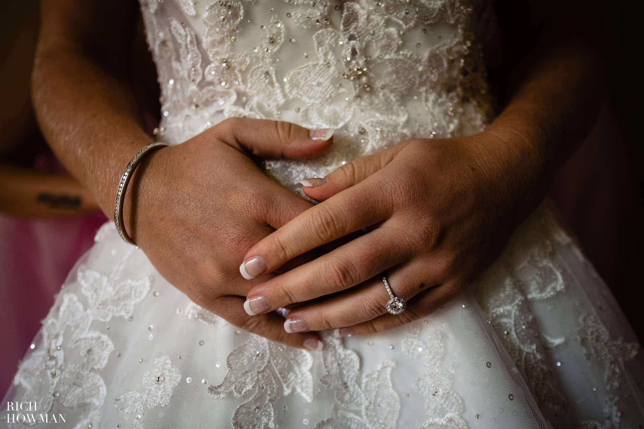 Wedding Photographers in Oxfordshire | Wedding Photographers Witney 337