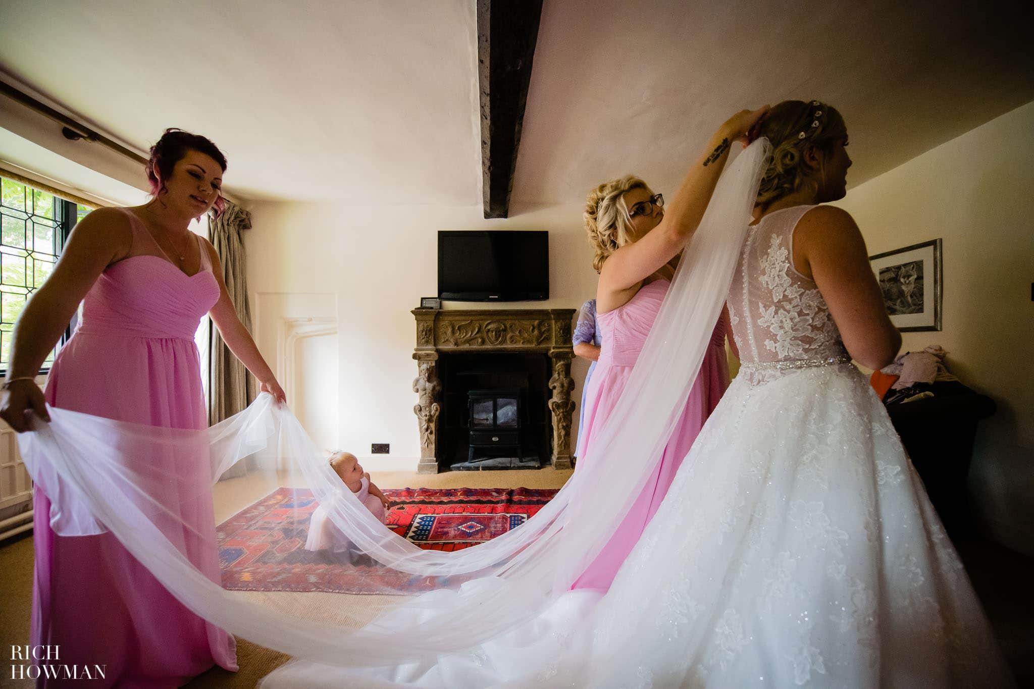 Wedding Photographers in Oxfordshire | Wedding Photographers Witney 342
