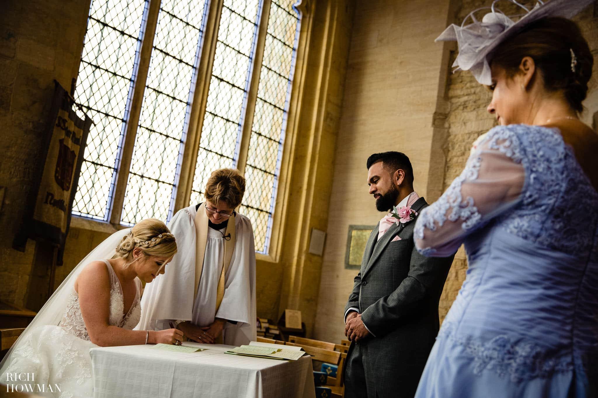 Wedding Photographers in Oxfordshire | Wedding Photographers Witney 362