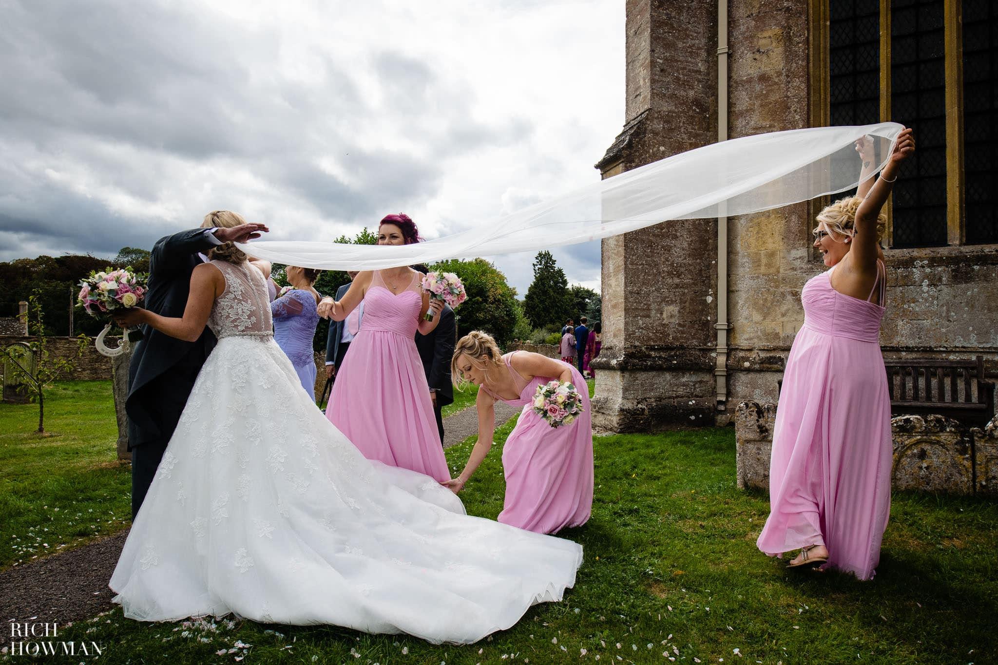 Wedding Photographers in Oxfordshire | Wedding Photographers Witney 373
