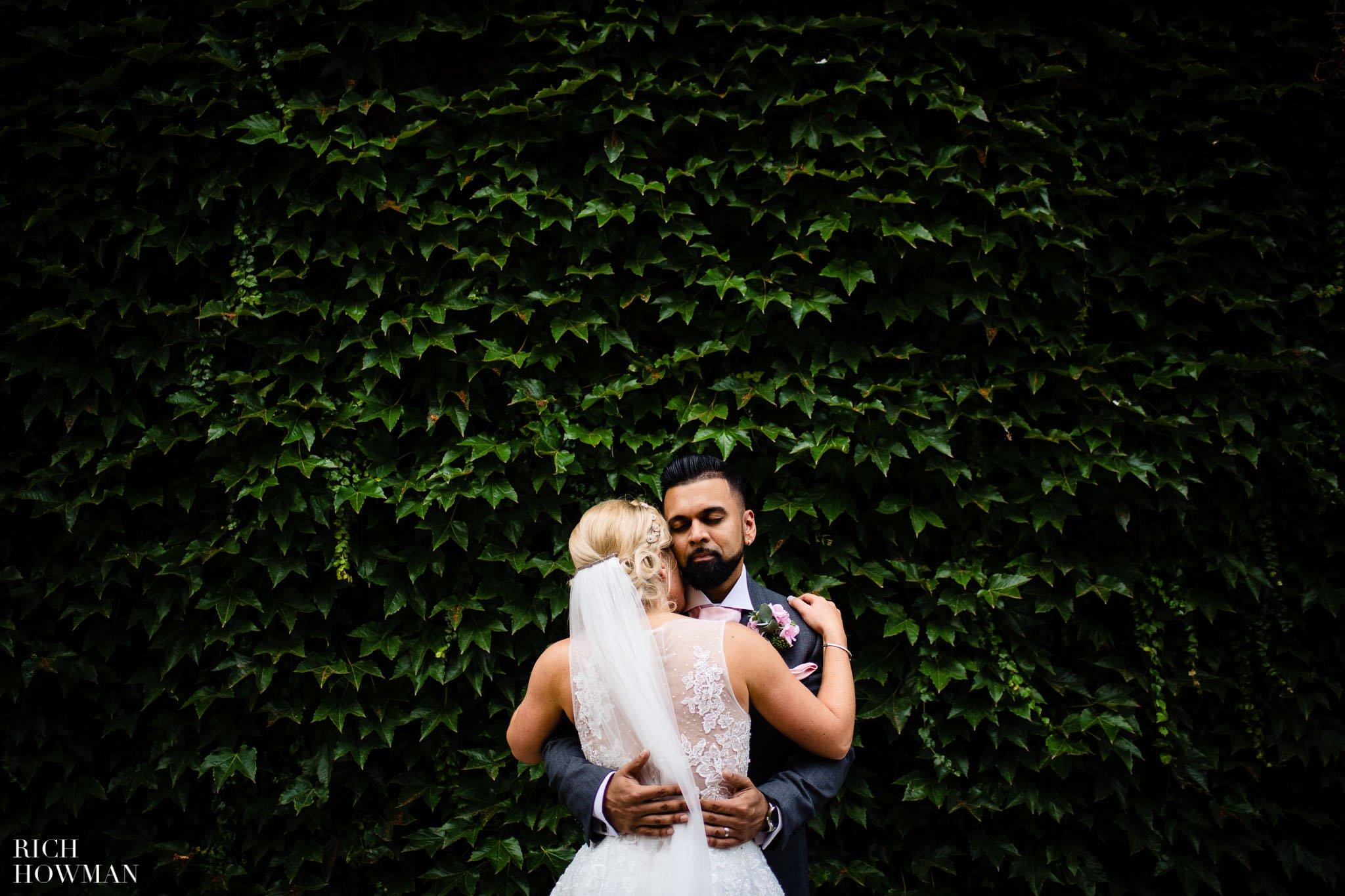 Wedding Photographers in Oxfordshire | Wedding Photographers Witney 393
