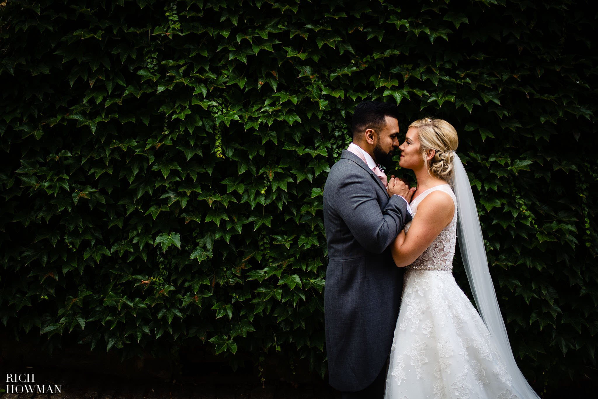 Wedding Photographers in Oxfordshire | Wedding Photographers Witney 395