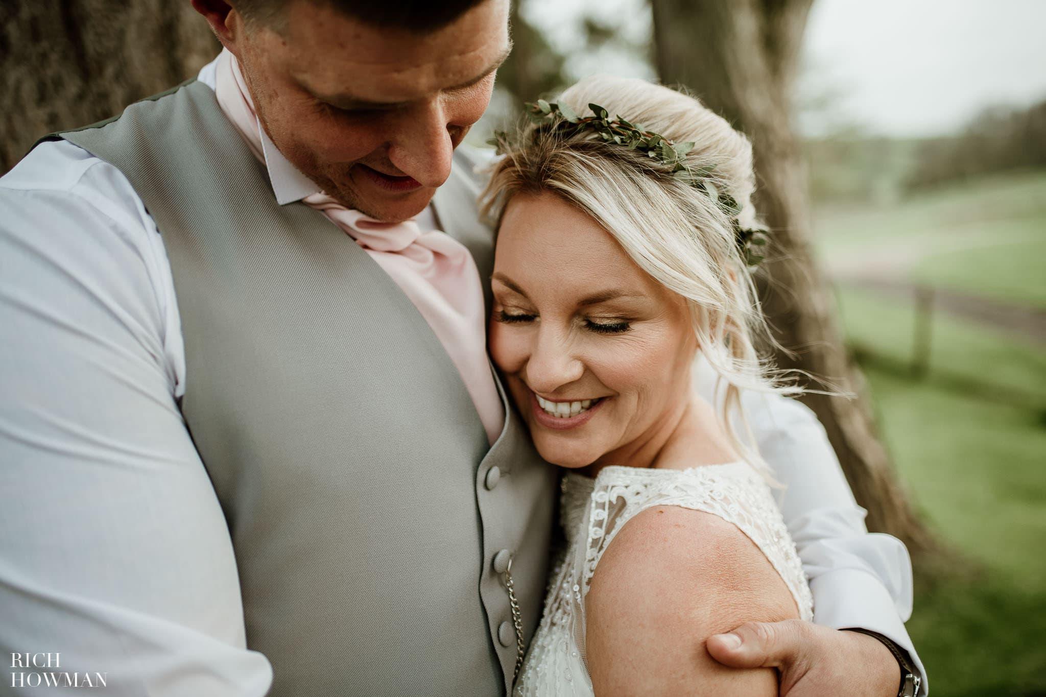 Kingscote Barn Wedding Photographer in Gloucestershire 595