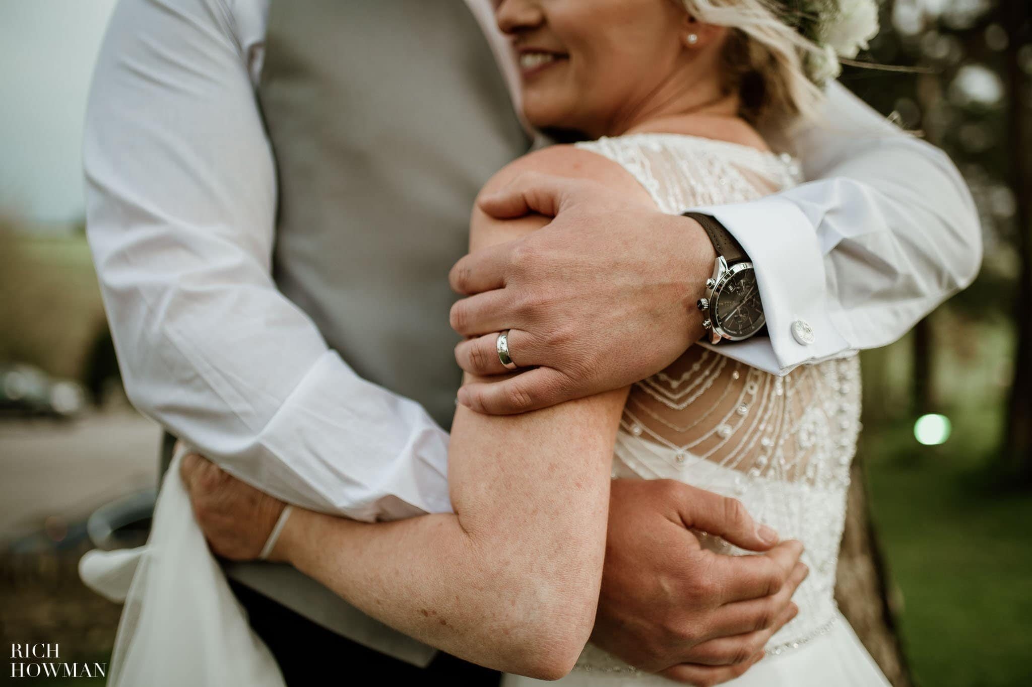 Kingscote Barn Wedding Photographer in Gloucestershire 596