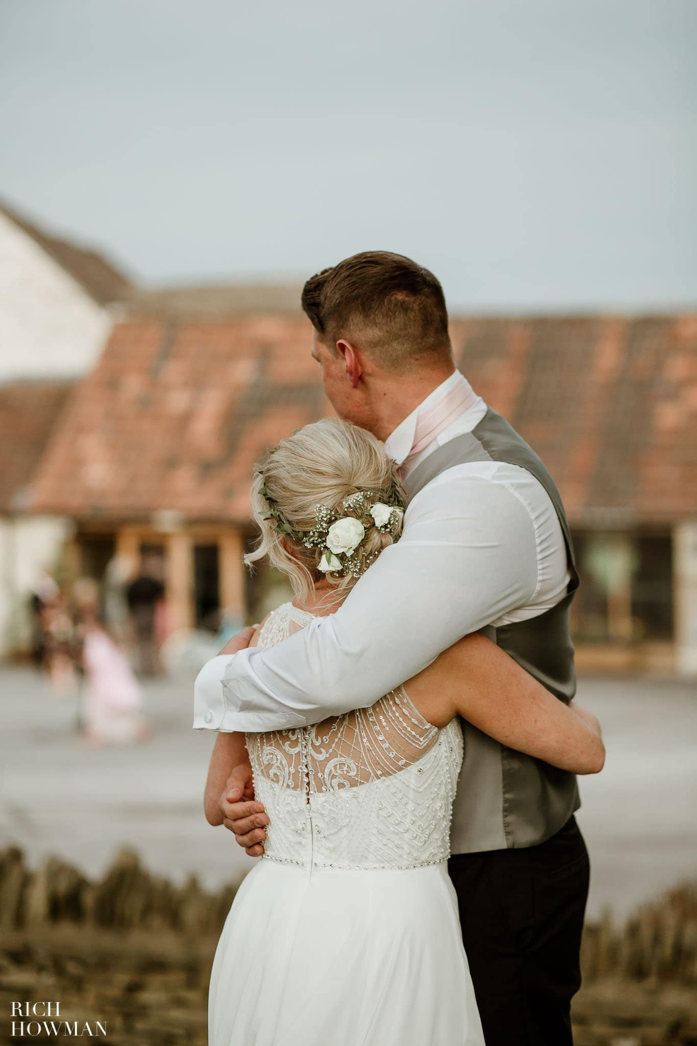 Kingscote Barn Wedding Photographer in Gloucestershire 599