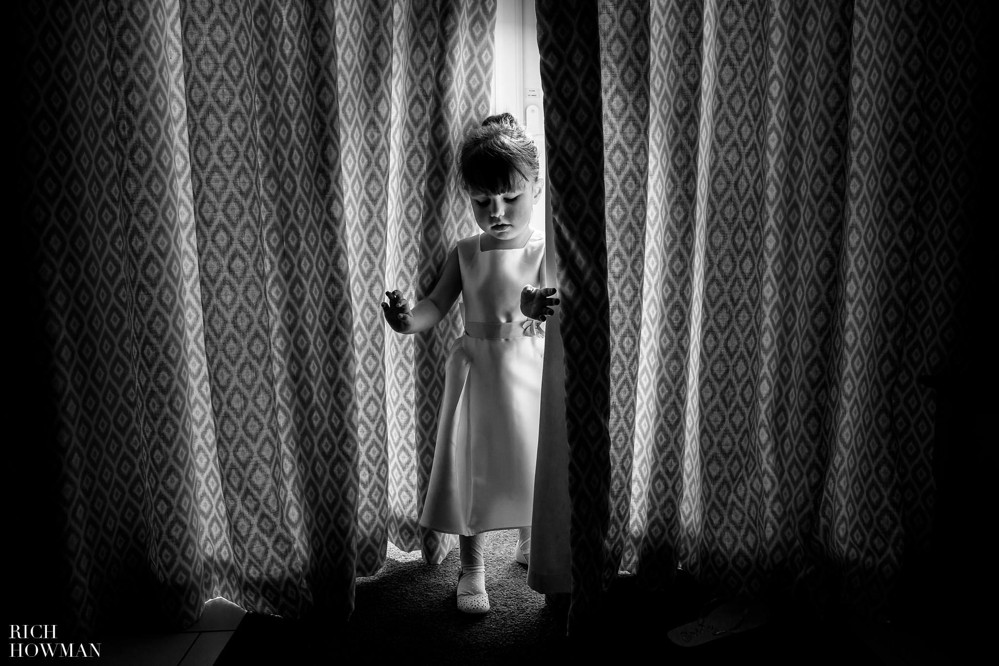 Kingscote Barn Wedding Photographer in Gloucestershire 514