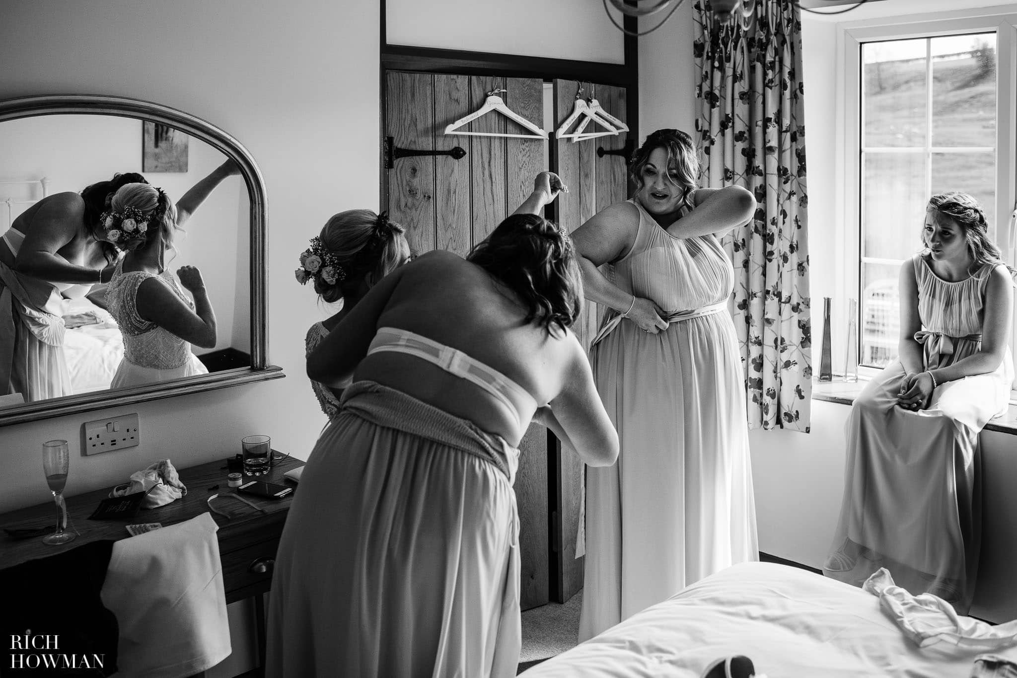 Kingscote Barn Wedding Photographer in Gloucestershire 519