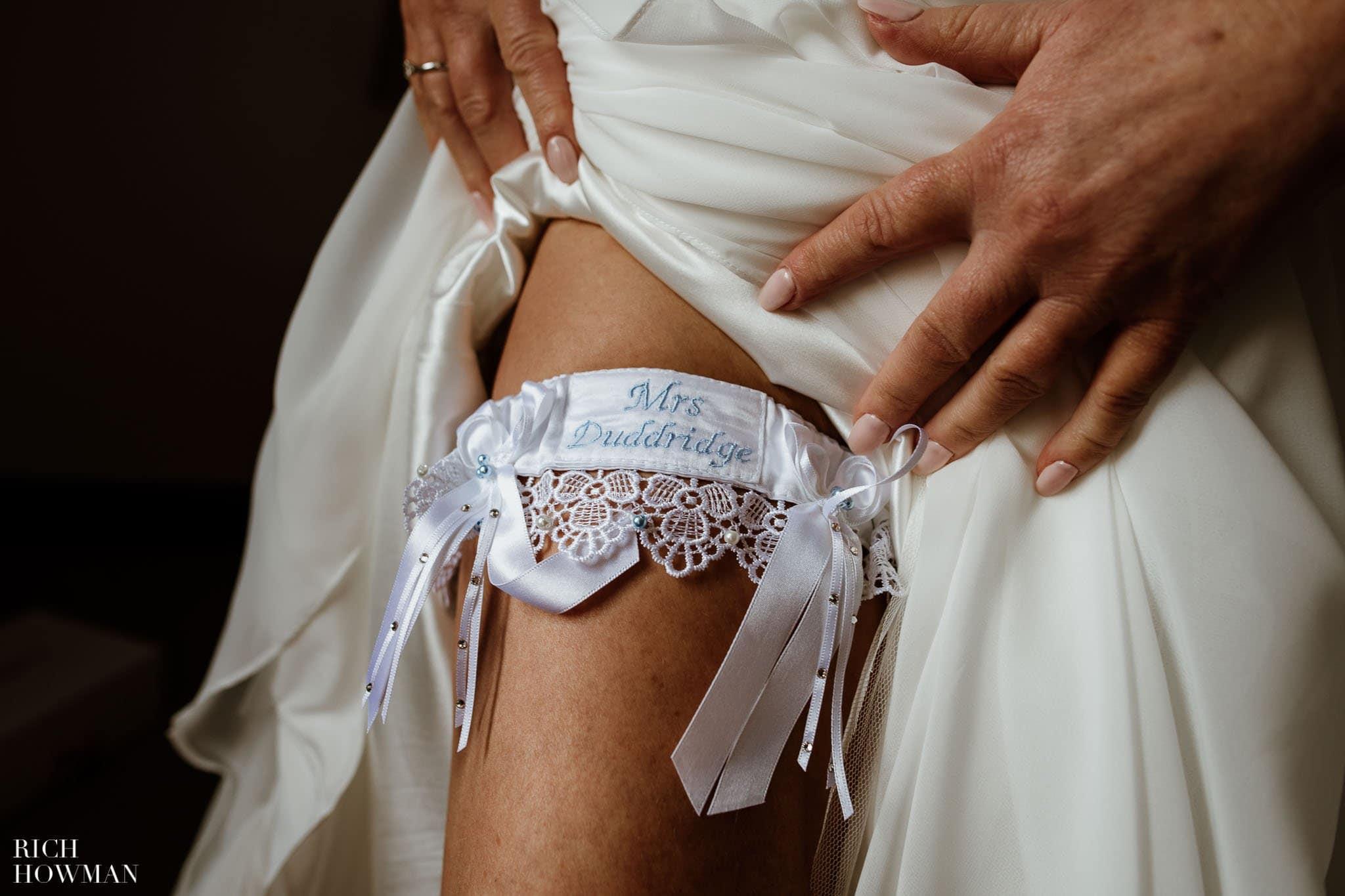 Kingscote Barn Wedding Photographer 15