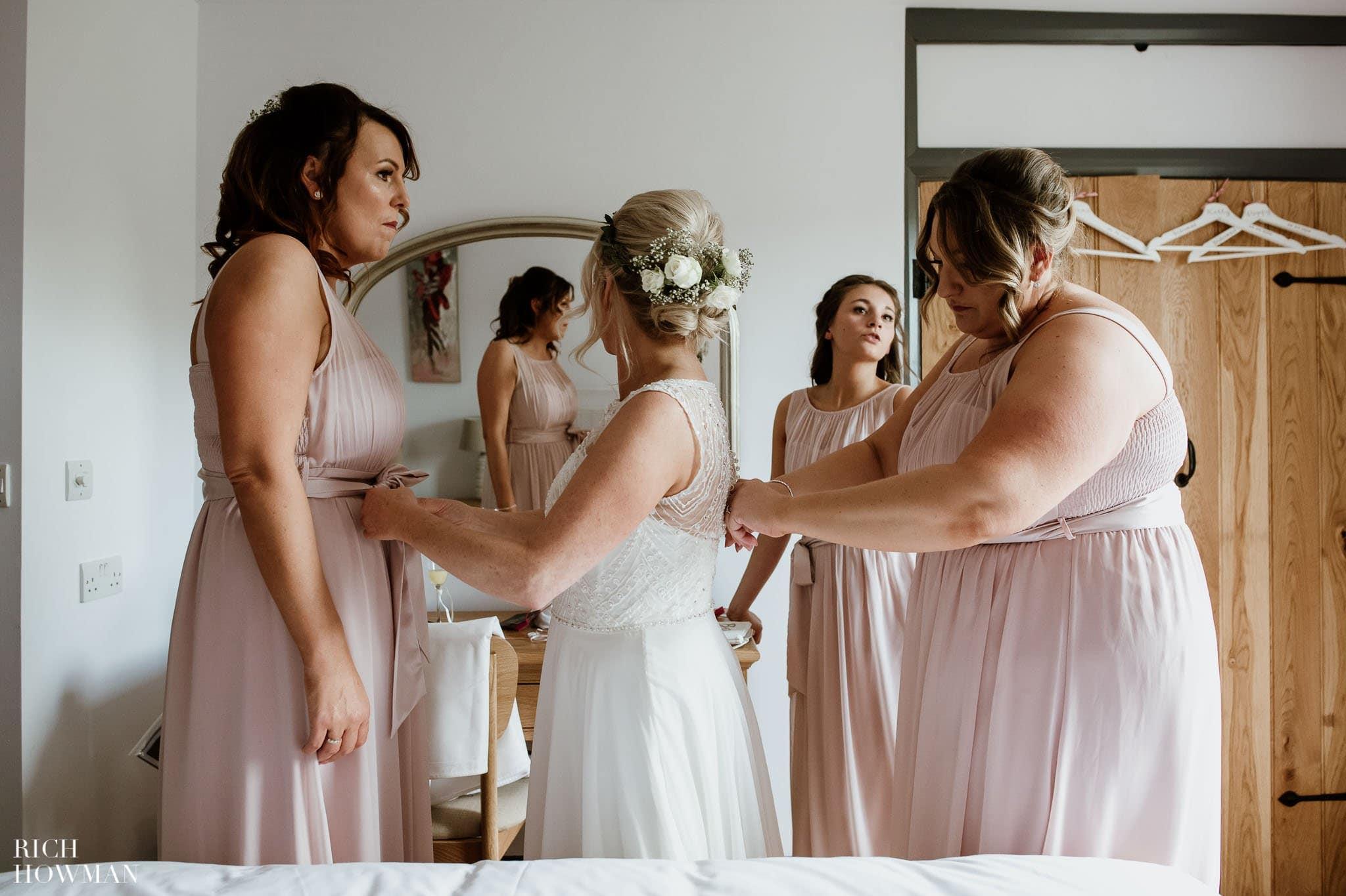 Kingscote Barn Wedding Photographer in Gloucestershire 524