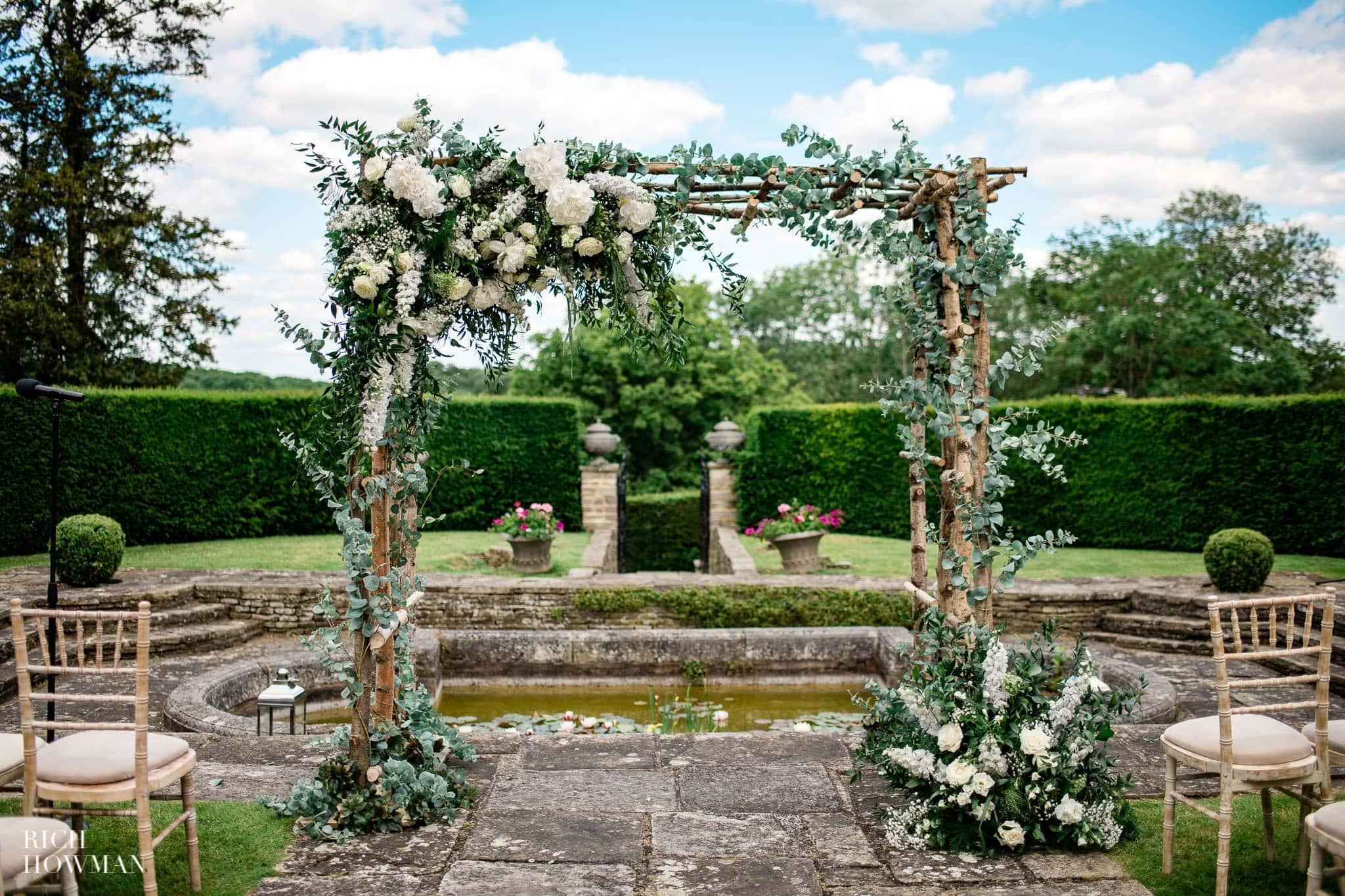Hedsor House Wedding Photographer in Berkshire 11